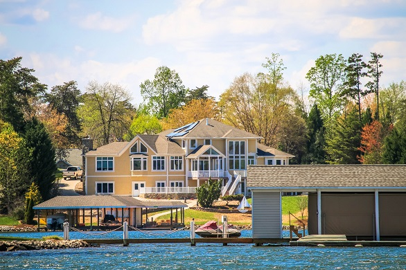 Finding Success Selling Your Luxury Home