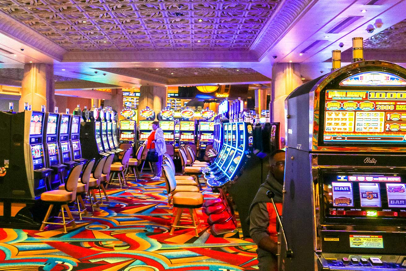 Hollywood Casino slot machines in Charles Town, WV