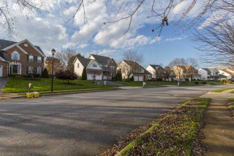 Single family home residential street in Sykesville, MD