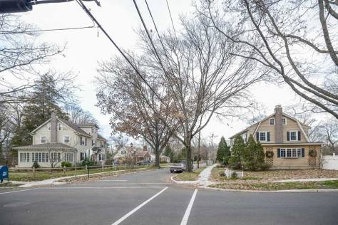 Street with single family homes in Cherry Hill, VA