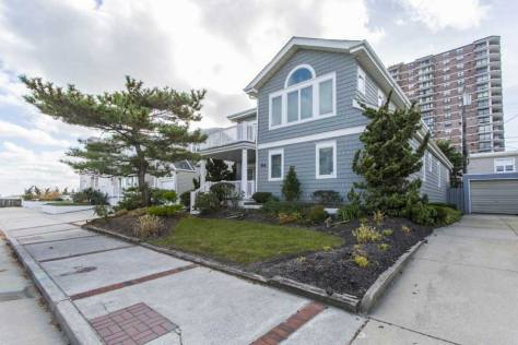 Home with condos in the background in Margate City, NJ