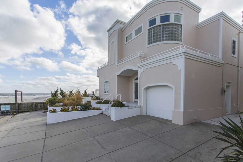 Beachfront home in Margate City, NJ