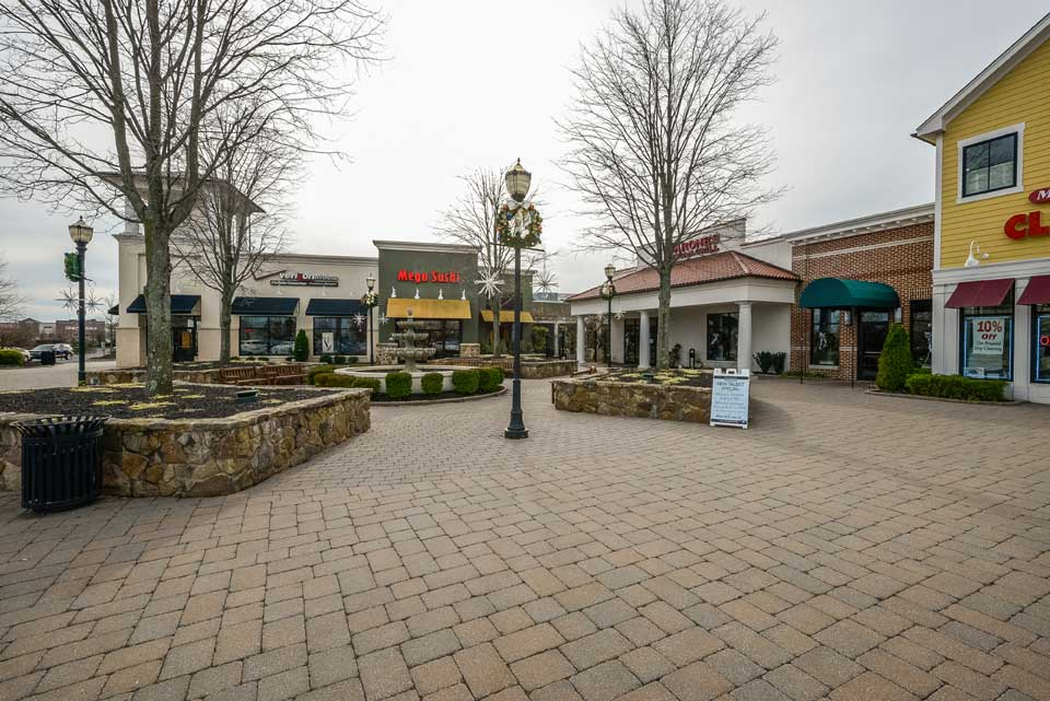 Shopping center courtyard in Moorestown, NJ