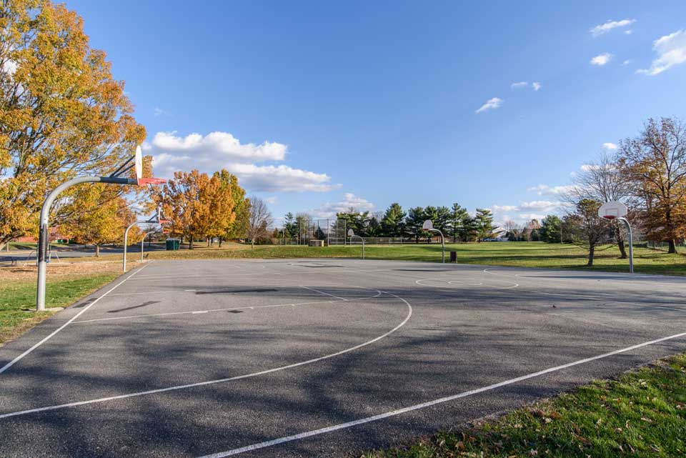 Basketball courts in Burtonsville, MD
