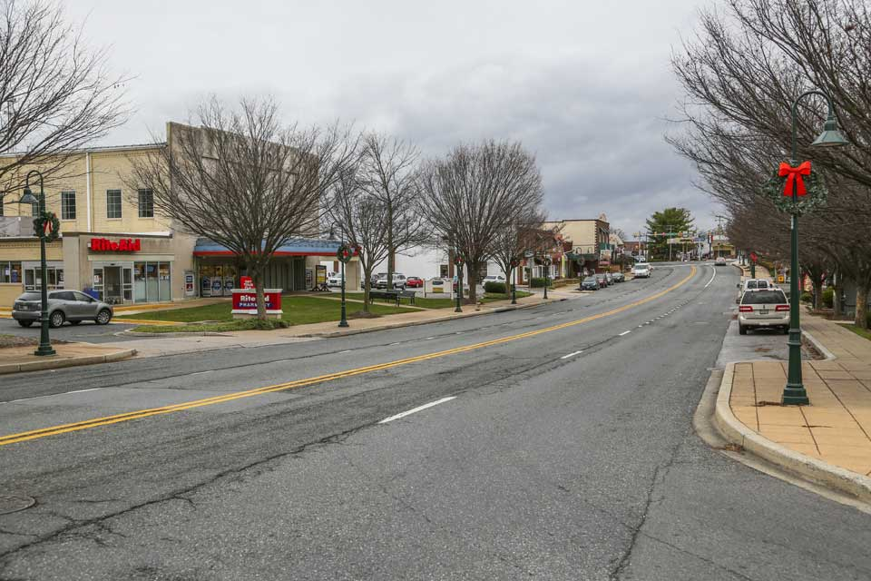 Street with Rite Aid in Damascus, MD