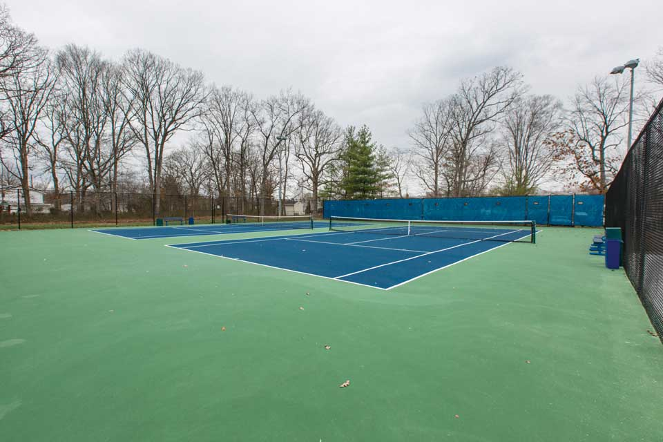 Tennis courts in Camp Springs, MD