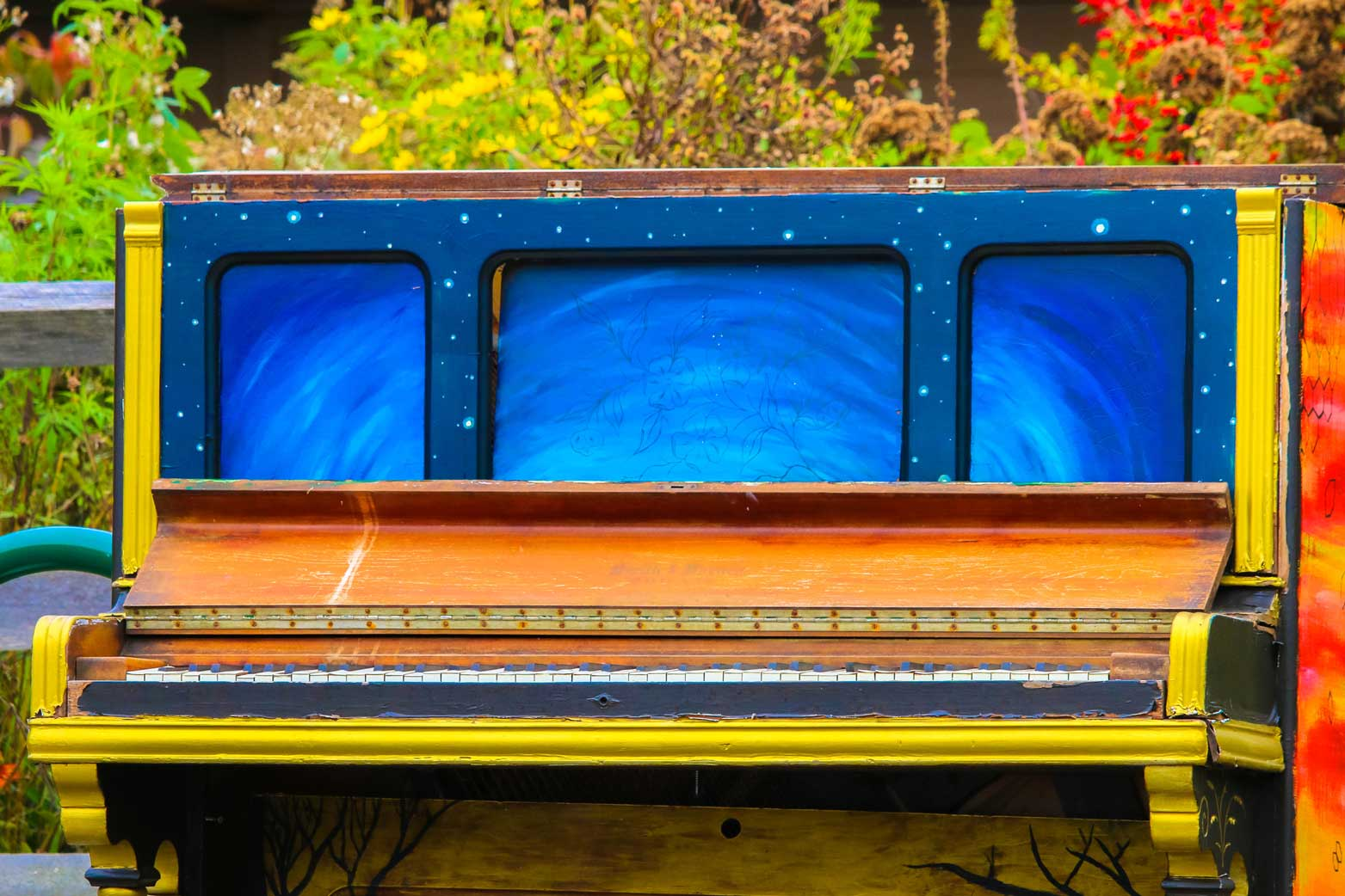 Decorative piano at Wolf Trap in Vienna, VA