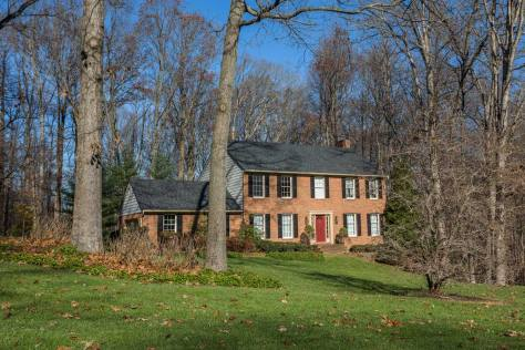 Single family home on wooded lot in Phoenix, MD