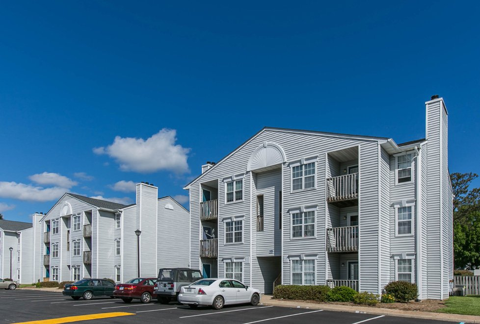 apartments in great neck va
