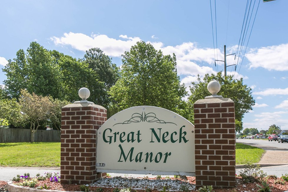 great neck manor
