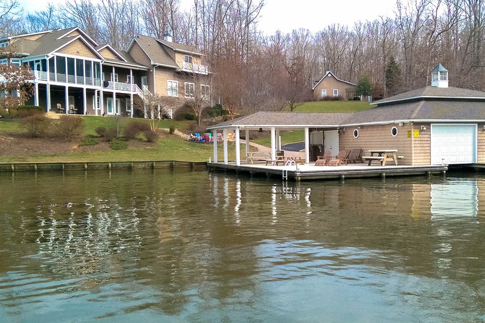 lakefront home with dock in lake anna va