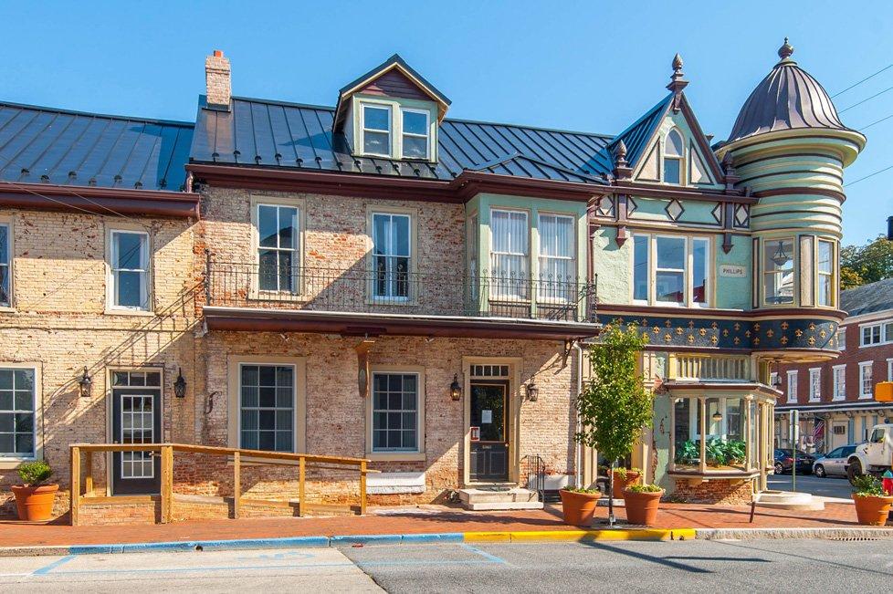 Living In Smyrna De Real Estate Overview Long Foster
