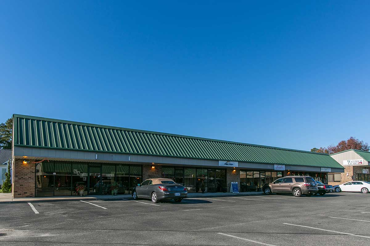 Shopping center in Deltaville, VA