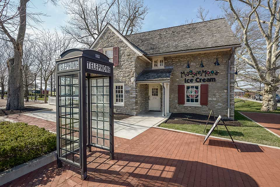 Maggie Moo's Ice Cream and telephone booth in Exton, PA