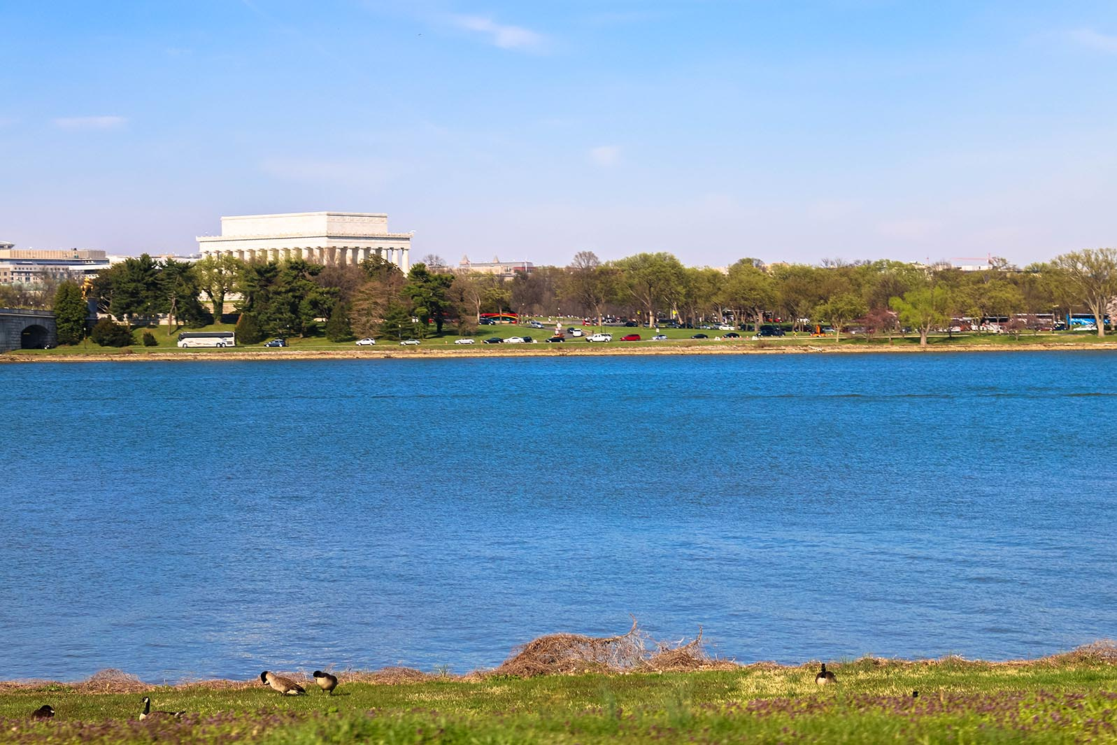 Lincoln memorial across potomac river in Washington, D.C.